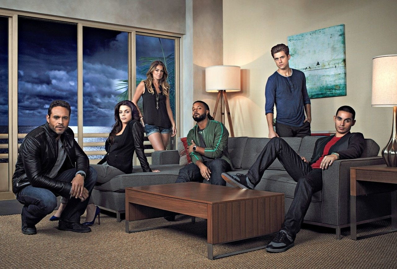 Graceland cast photo