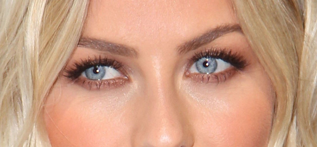 julianne hough eye makeup paradise premiere close